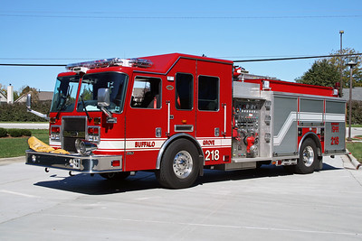 BUFFALO GROVE FD  ENGINE 218  2000  KME PREDATOR   2000-750-30F   # 6564