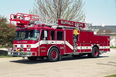 BUFFALO GROVE FD  QUINT 25  1991  E-ONE CYCLONE   1250-500-75'   #8894