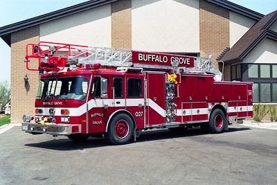 BUFFALO GROVE FD  QUINT 27  1991 E-ONE CYCLONE   1500-500-75'  # 8893