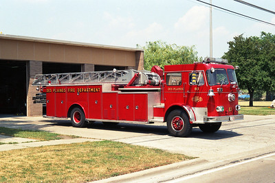 DES PLAINES FD TRUCK 83 1959 SEAGRAVE 1000 / 0 / 85' ROOF ADDED LATER