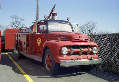 DES PLAINES FD SQUAD FORD F / HOWE