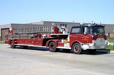 ELK GROVE VILLAGE  TRUCK 128   1970 MACK CF - PIRSCH  100'   CF685FT-1183 - PL-03