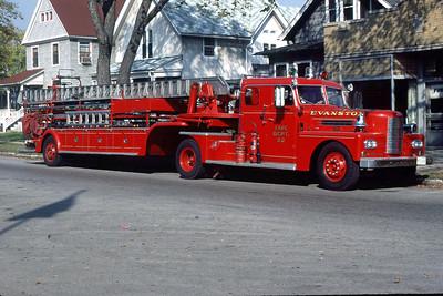 EVANSTON FD TRUCK 22  1952 PIRSCH  85' TDA