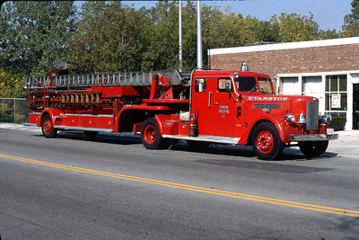 EVANSTON  TRUCK 21  1951 PIRSCH  85' TDA  OFFICERS SIDE