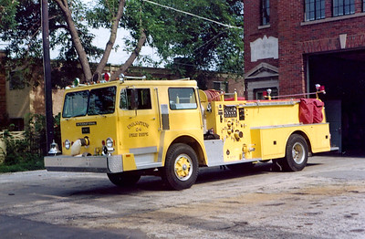 EVANSTON ENGINE 24   1975 IHC - HOWE  1000-400  YELLOW COLOR
