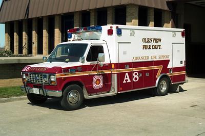 AMBULANCE 8  FORD E-350 - ROAD RESCUE