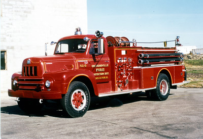 HANOVER PARK  ENGINE 366  1962 IHC R190 - BOYER  750-750   #11795