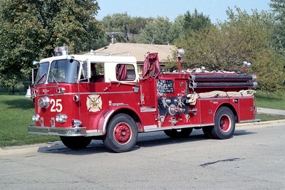 HOFFMAN ESTATES  ENGINE 25  1961 SEAGRAVE  700KB   1000-500   #L-8250