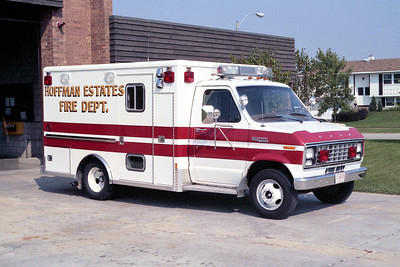 HOFFMAN ESTATES  AMBULANCE 23   1982 FORD E350 - WHEELED COACH