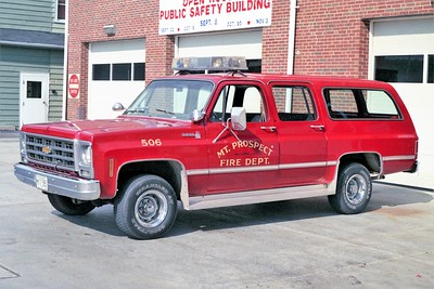 MT PROSPECT  CAR 506  CHEVY SUBURBAN  RED
