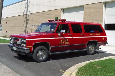 NILES FD  CAR 202  1990 GMC SUBURBAN  BF
