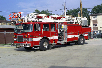 NILES FD TRK  2  1989 PIERCE ARROW  1250-300-75'  BF