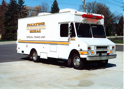 PALATINE RURAL FPD SPECIAL TEAMS SQUAD 3551  NOW AT PALATINE FD AS WATER RESCUE VEHICLE