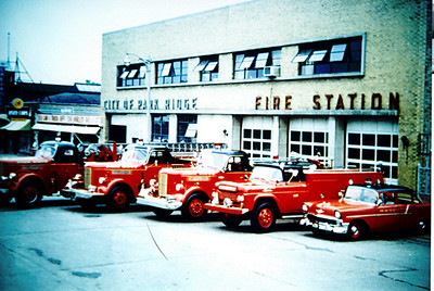 PARK RIDGE FD GROUP SHOT IN FRONT OF OLD STATION 1