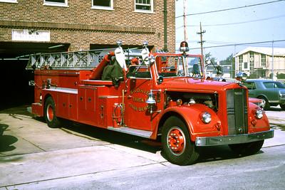 SKOKIE TRUCK  1955 WLF 85'    RON HEAL PHOTO