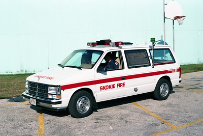SKOKIE  CAR 1603   1988  DODGE CARAVAN  INCIDENT COMMANDER