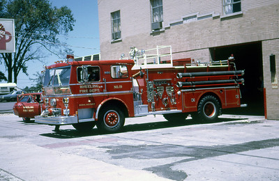 WHEELING FD  ENGINE 19  1969  WLF P-80   1250-500    COMMAND TOWER    PAINTED RED