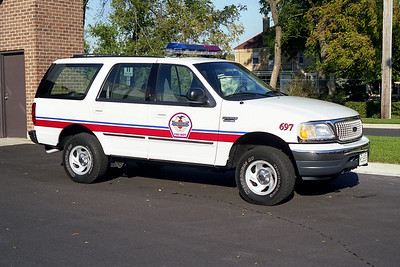 WHEELING FD  CAR 697  1999  FORD EXPEDITION