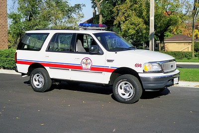 WHEELING FD  CAR 698  1999  FORD EXPEDITION