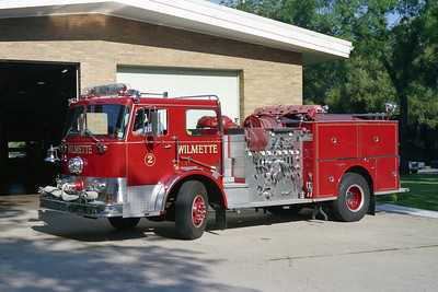 WILLMETTE FD  ENG 202   1971 SEAGRAVE  1000-300    BF