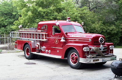 WILMETTE FD  ENG 203  1958 SEAGRAVE 1000-300  BF