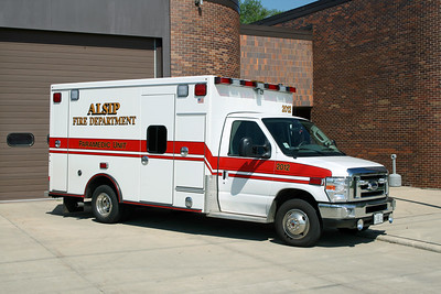 ALSIP FD  AMBULANCE 2012  FORD E-450 - 2003  ROAD RESCUE   #6937   RECHASSIS (3)