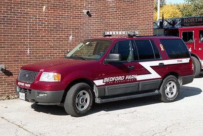 BEDFORD PARK FD  CAR 706  2005  FORD EXPEDITION