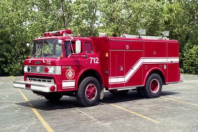 BEDFORD PARK FD  SQUAD 712  1976  FORD C - PIERCE    # 9272-C