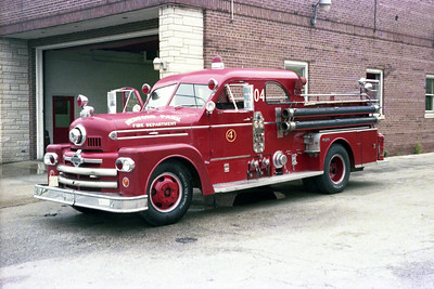 BEDFORD PARK FD  ENGINE 704  1956  SEAGRAVE 70th   750-300