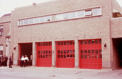 BLUE ISLAND FD  STATION 1 (WITH RED BAY DOORS
