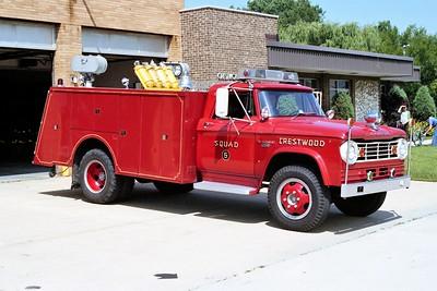 CRESTWOOD SQUAD 2305  1965 DODGE W500 - DARLEY