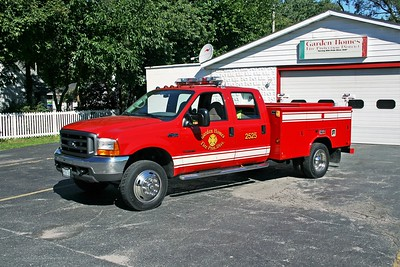 GARDEN HOMES FD  SQUAD 2525  1999 FORD F-450 - READING