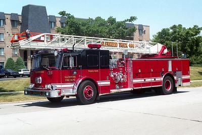 GLENWOOD FD  TRUCK 444 1972  SEAGRAVE   1000-250-100'      R-72493    4 DOOR ENCLOSURE  REPAINTED BLACK -RED