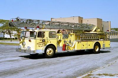GLENWOOD FD  TRUCK 444 1972  SEAGRAVE   1000-250-100'   R-72493