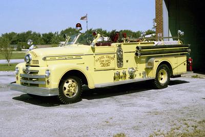 HAZEL CREST FD  ENGINE 1233  1956 SEAGRAVE  750-    LIME GREEN