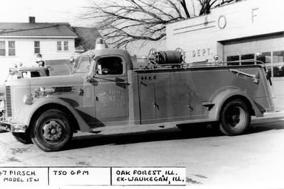 OAK FOREST  ENGINE 92  1947 PIRSCH  X-WAUKEGAN FD