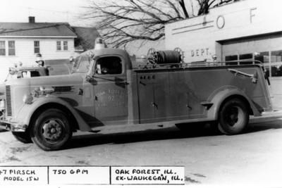 ENGINE 92  1947 PIRSCH  X-WAUKEGAN FD