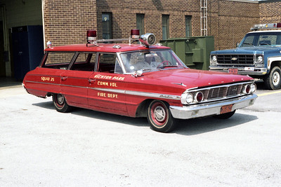 RICHTON PARK   SQUAD 25  FORD ESTATE WAGON
