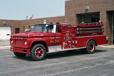 RICHTON PARK  ENGINE 26  FORD F - AMERICAN