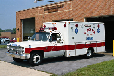RICHTON PARK AMBULANCE 33   CHEVY -