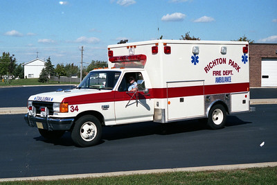 RICHTON PARK  AMBULANCE 34  FORD F-150 - SOUTHERN COACH