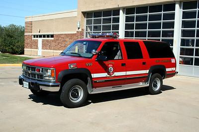 RIVERDALE CAR 890  1998  CHEVY SUBURBAN 2500  4X4
