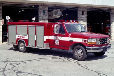 RIVERDALE FD  SQUAD 861  1992  FORD F350 - 1994  McCOY MILLER