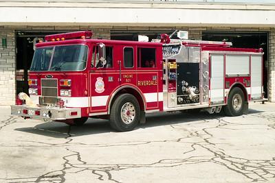 RIVERDALE FD  ENGINE 821  1996  PIERCE SABER   1500-750   E-9812