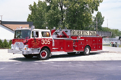 ROBERTS PARK FPD  TRUCK 305  MACK CF-PIRSCH