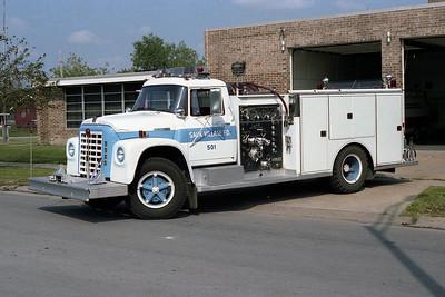 SAUK VILLAGE FD  ENGINE 501 IHC