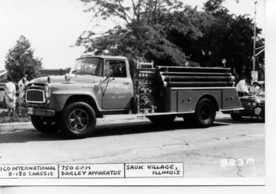 SAUK VILLAGE  1960 IHC B-180 - DARLEY  750-300   DAN MARTIN PHOTO- BILL FRIEDRICH COLLECTION