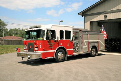 SOUTH CHICAGO HEIGHTS  ENGINE 762  SPARTAN - LUVERNE