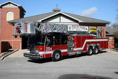 TINLEY PARK TRUCK 204    E-ONE   95'