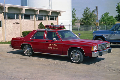 ADDISON FPD  CAR 107  FORD LTD   FIRE CHIEF